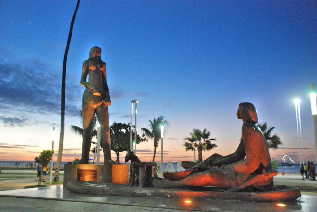 Fortaleza Estátua Iracema 1024x687 - Melhores opções de passeios partindo de Fortaleza
