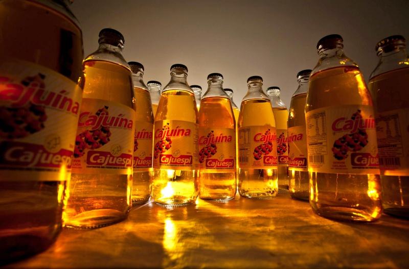 A cajuína, bebida feita a base do caju, é uma das bebidas mais apreciadas no Ceará.
