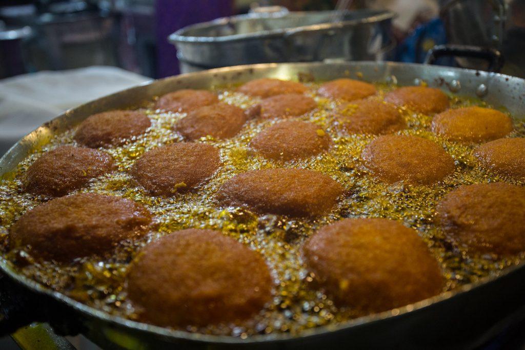 Acarajé baiano, item essencial da comida nordestina