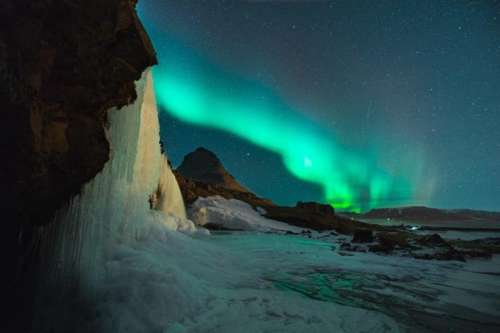 A aurora boreal é um dos maiores atrativos da Islândia.