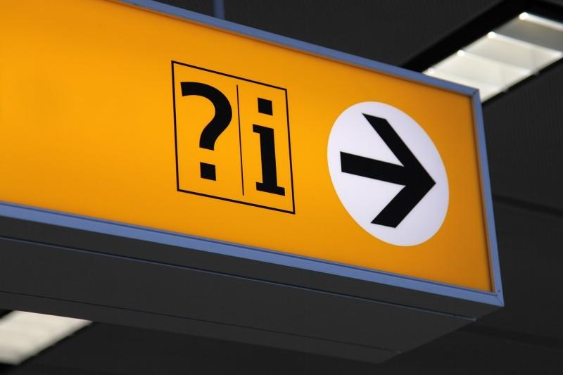 arrow 2564 1280 - Como encontrar passagens aéreas mais baratas