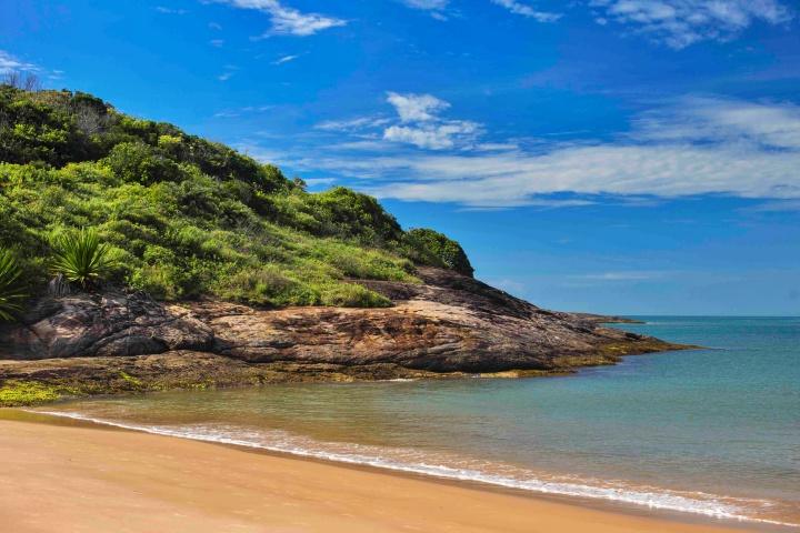 39817446560 80b0687b43 k - Guarapari ES - Conheças as principais praias da cidade