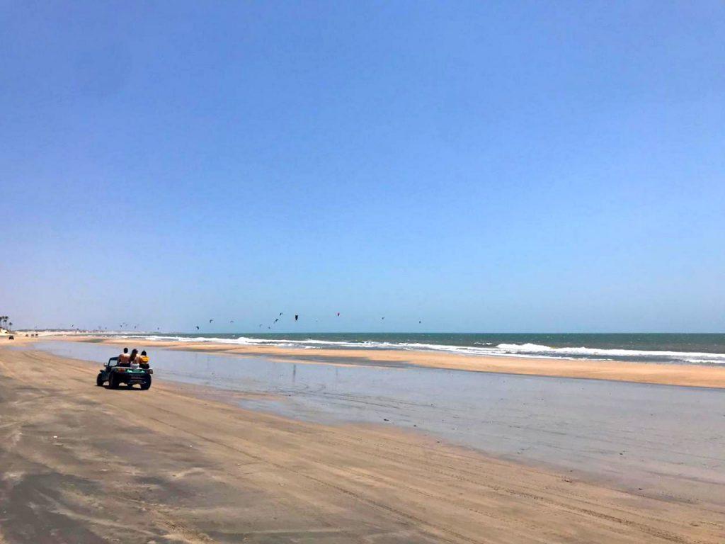 Passeio de buggy na Praia de Lagoinha - praias de Fortaleza