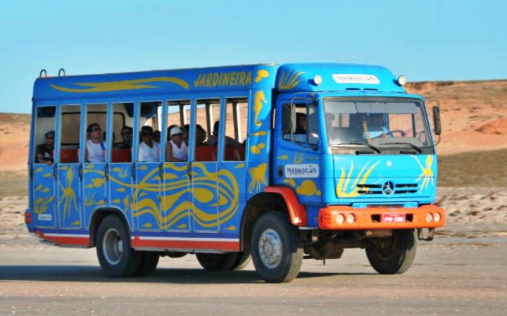 veículo pau de arara- tradicional para transporte de pessoas em algumas cidades do Ceará