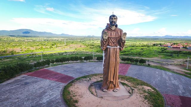 estátua são francisco canindé - Fé e devoção: conheça 5 destinos religiosos no Ceará
