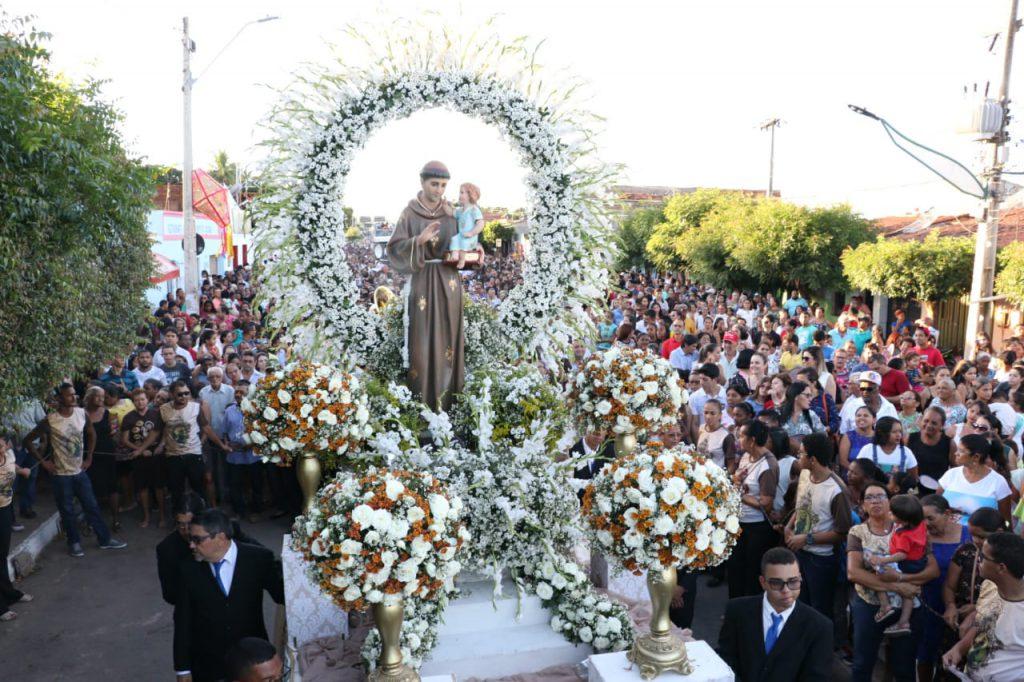 procissão barbalha site badalo 1024x682 - Fé e devoção: conheça 5 destinos religiosos no Ceará