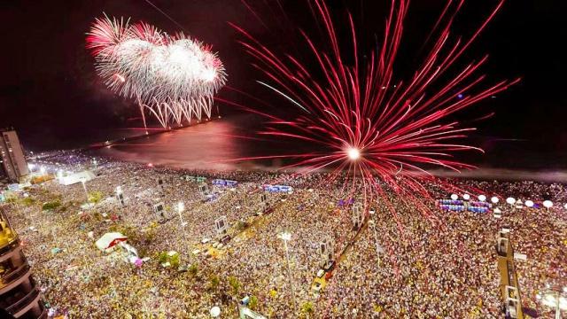 reveillon fortaleza praia iracema 1 - 10 super destinos para aproveitar o réveillon no Brasil