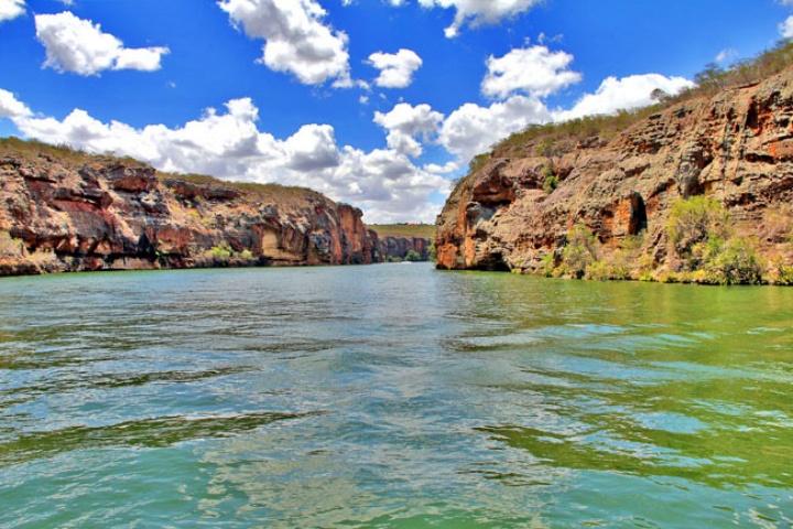 Canion do Xingo Caninde Sergipe2 - Cânion do Xingó: como visitar e fazer o passeio de barco