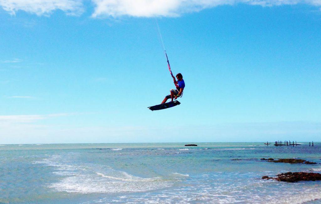 aulas de kitesurf ceara icaraizinho 1024x652 - Icaraizinho de Amontada: Entre praias e rios, um paraíso para você aproveitar