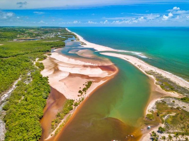 barra do rio abiai - Pitimbu - PB: Piscinas naturais, estuários e falésias formam o cenário intocado do destino