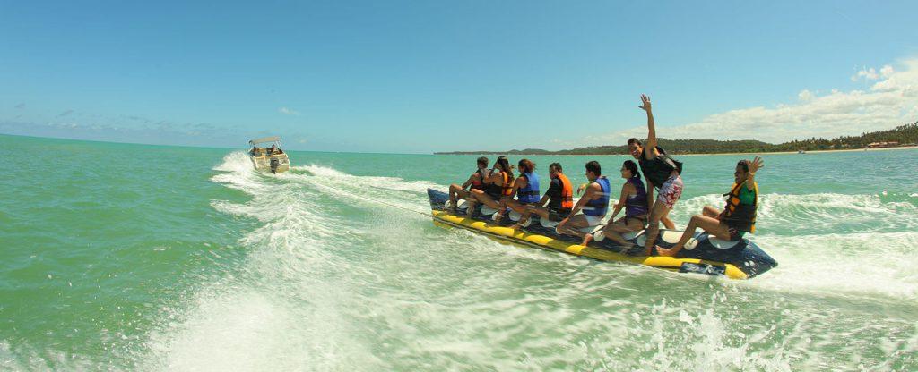 05 banana boat maragogi 1024x416 - Viajando em família? Conheça 5 resorts para se hospedar com os pequenos