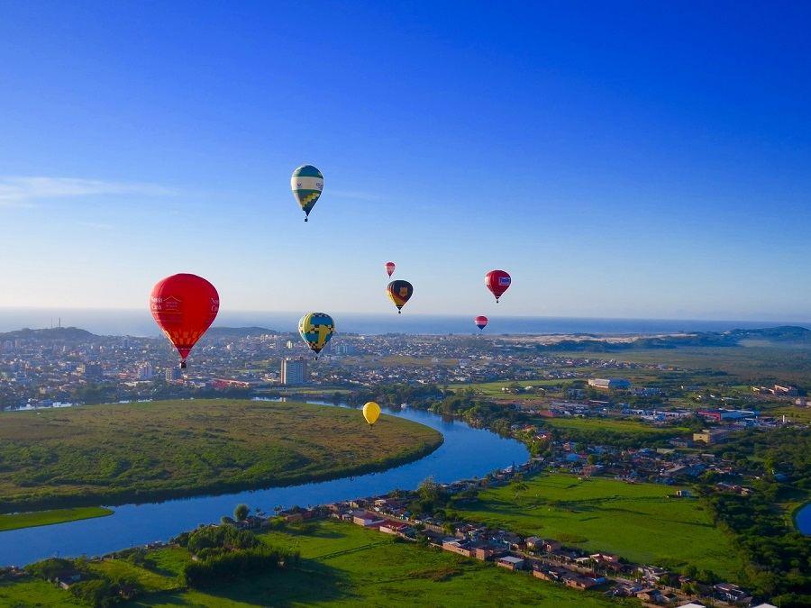 12 lugares para voar de balão brasil torres - Vai no vento: 6 lugares para passear de balão no Brasil