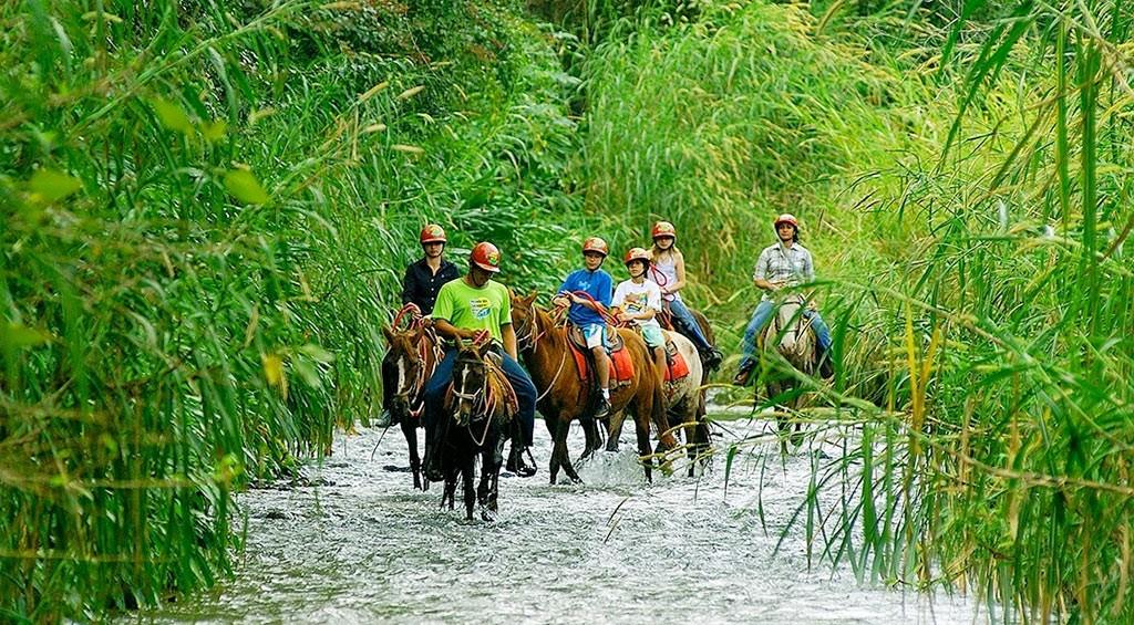 cavalgada recanto das cachoeiras brotas 2 1024x565 1 - Vamos de carro? 4 destinos próximos a São Paulo para você aproveitar