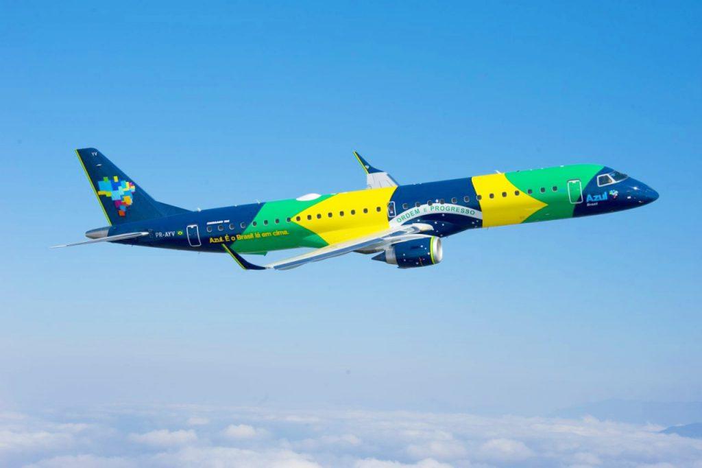 com pintura especial a aeronave bandeira cruza o brasil de norte 1383760551005 1024x682 - Azul passa a usar raios ultravioleta para matar vírus e bactérias em seus aviões