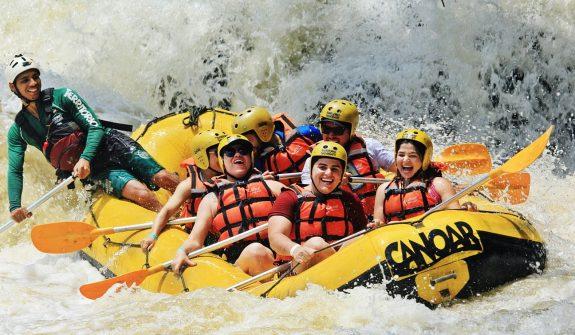 territorio selvagem canoar rafting 575x335 1 - Vamos de carro? 4 destinos próximos a São Paulo para você aproveitar