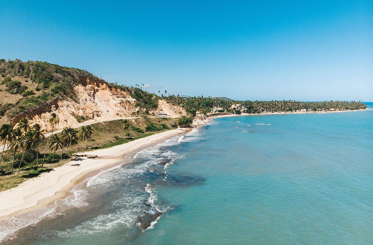2 falesias praia barreiras de boqueirao - A 10 km de Maragogi, Japaratinga tem praias paradisíacas, piscinas naturais e muito mais