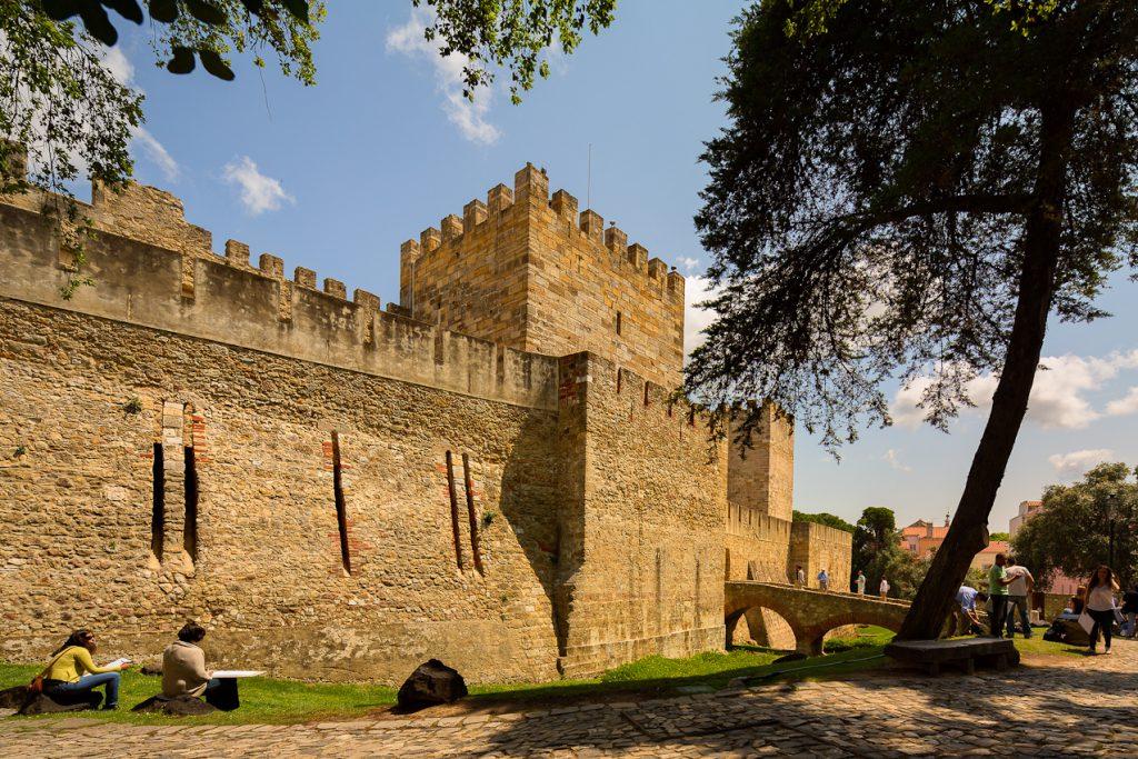 Castelo–de–são–jorge 1024x683 - O que fazer em Lisboa: 10 passeios e atrativos para sua primeira viagem