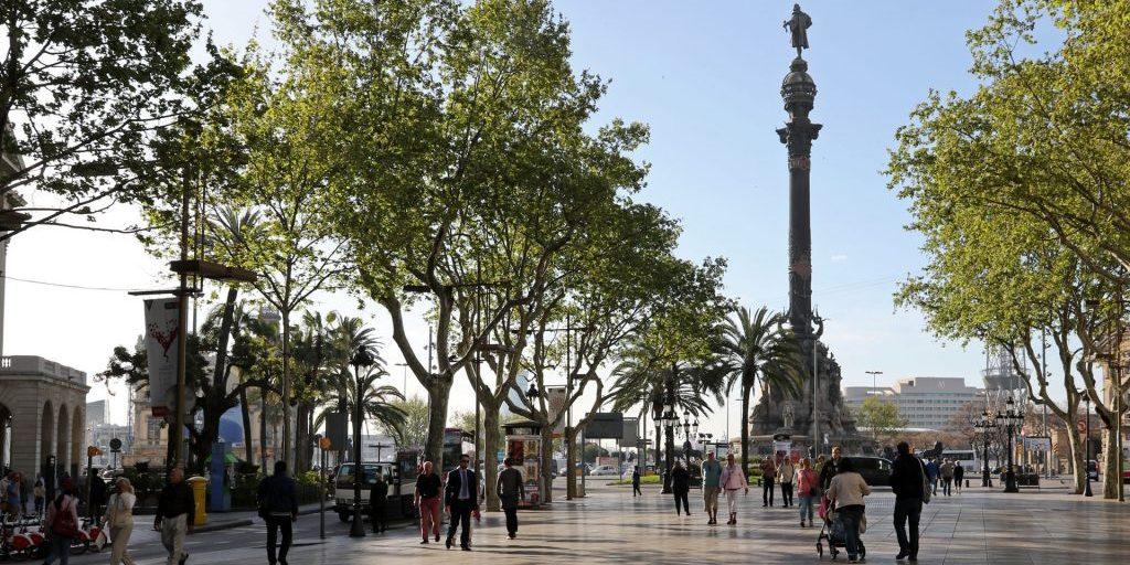 Mirador de Colom Barcelona e1533763607106 - 10 atrativos e passeios para fazer em Barcelona – Espanha