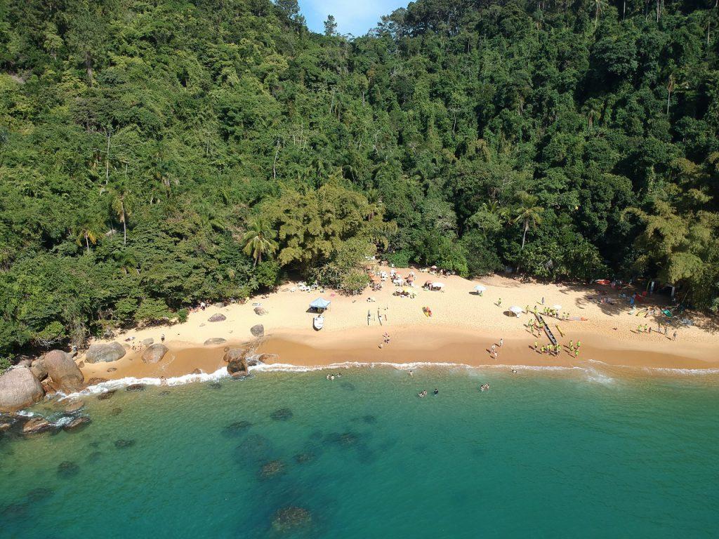 Praia do Cedro Centro 1024x768 - 10  praias paradisíacas para curtir no Litoral de São Paulo