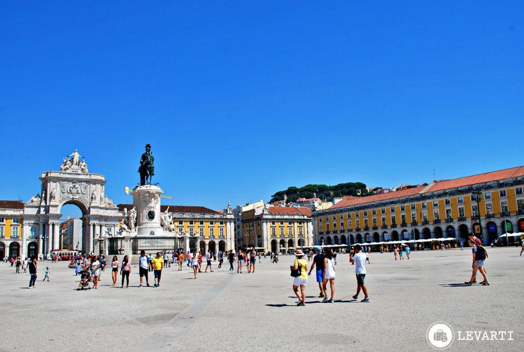 praça–do–comércio 1024x687 - O que fazer em Lisboa: 10 passeios e atrativos para sua primeira viagem