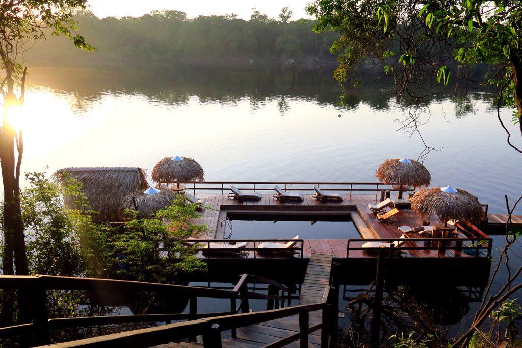 2g1 Piscina de rio A Janela Laranja 1024x682 - Viagem segura: 10 hotéis para se isolar no Brasil em meio à natureza