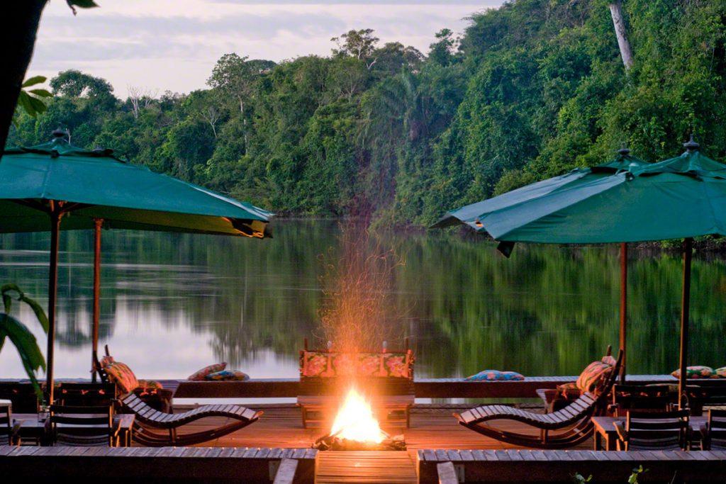 Cristalino Jungle Lodge Floating Deck Luis Gomes edited 1024x683 - Viagem segura: 10 hotéis para se isolar no Brasil em meio à natureza