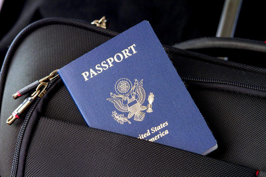 Passaporte de viagens para cidadãos americanos. (passaporte de vacinação)