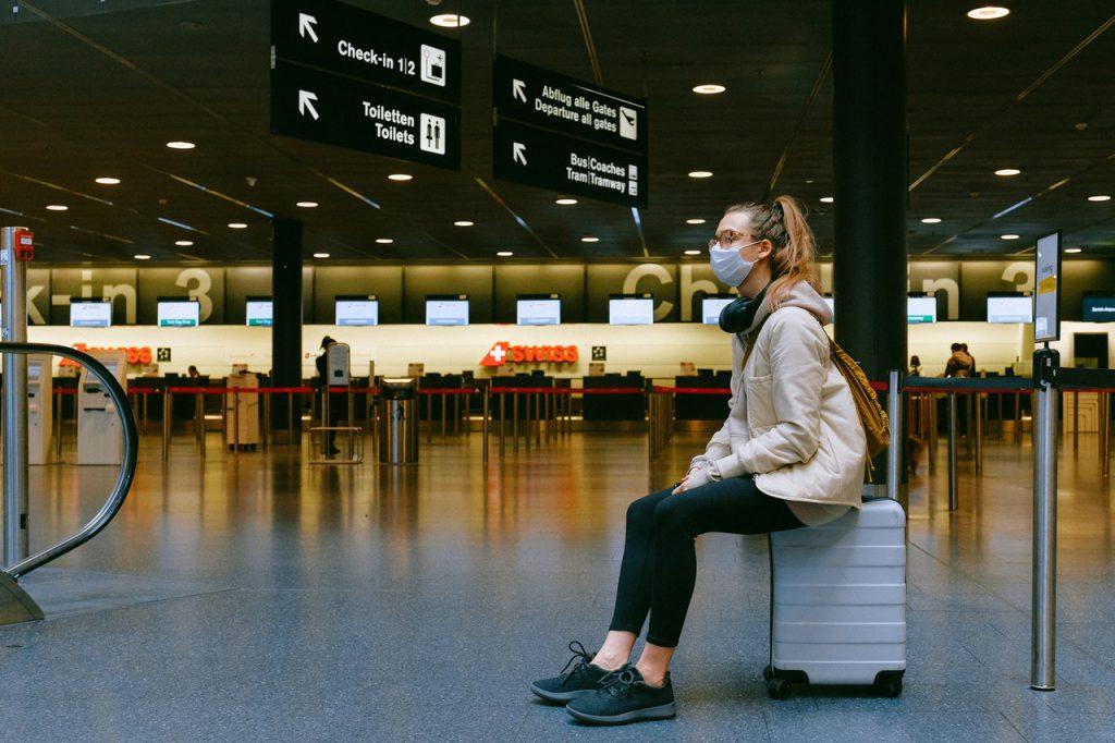 pexels anna shvets 3943882 1 1024x682 - Anvisa aprova regras mais rígidas para uso de máscaras em aviões e aeroportos