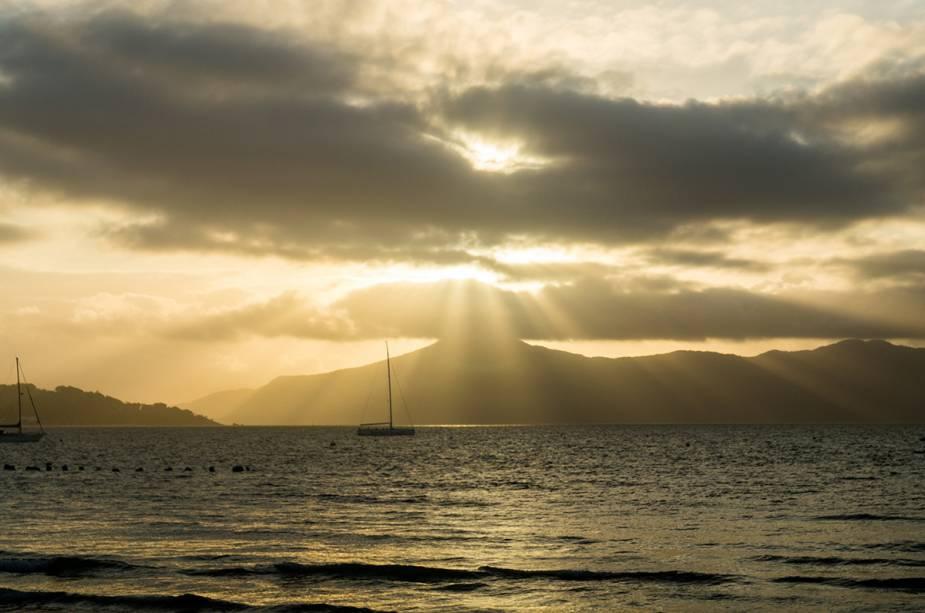 pôr–do–sol–praia–do–jurerê - 10 praias de Santa Catarina que você deveria conhecer