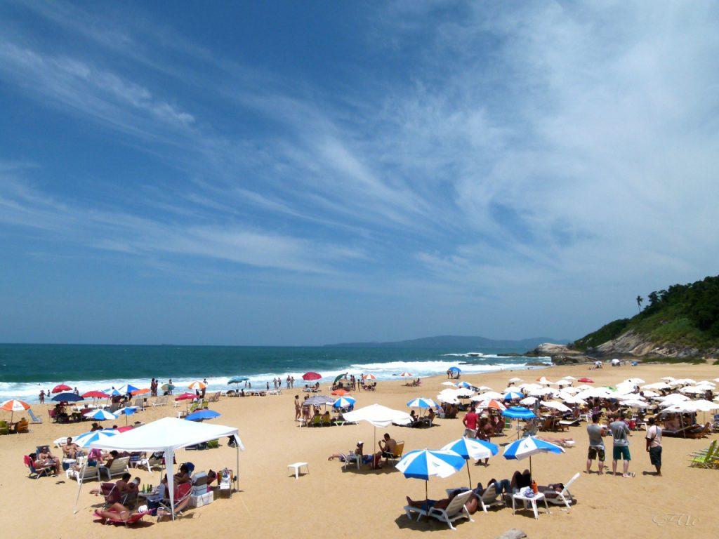 praia–do–estaleiro  1024x768 - 10 praias de Santa Catarina que você deveria conhecer