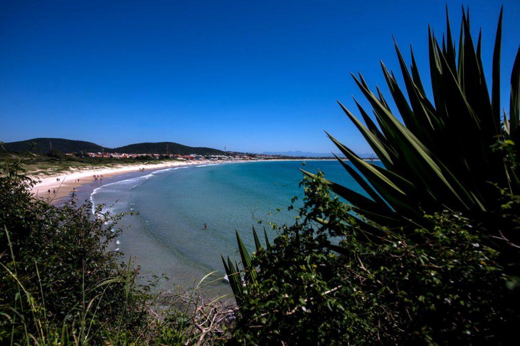 Praia–do–Peró 1024x683 - Conheça 8 praias paradisíacas na Região dos Lagos – RJ