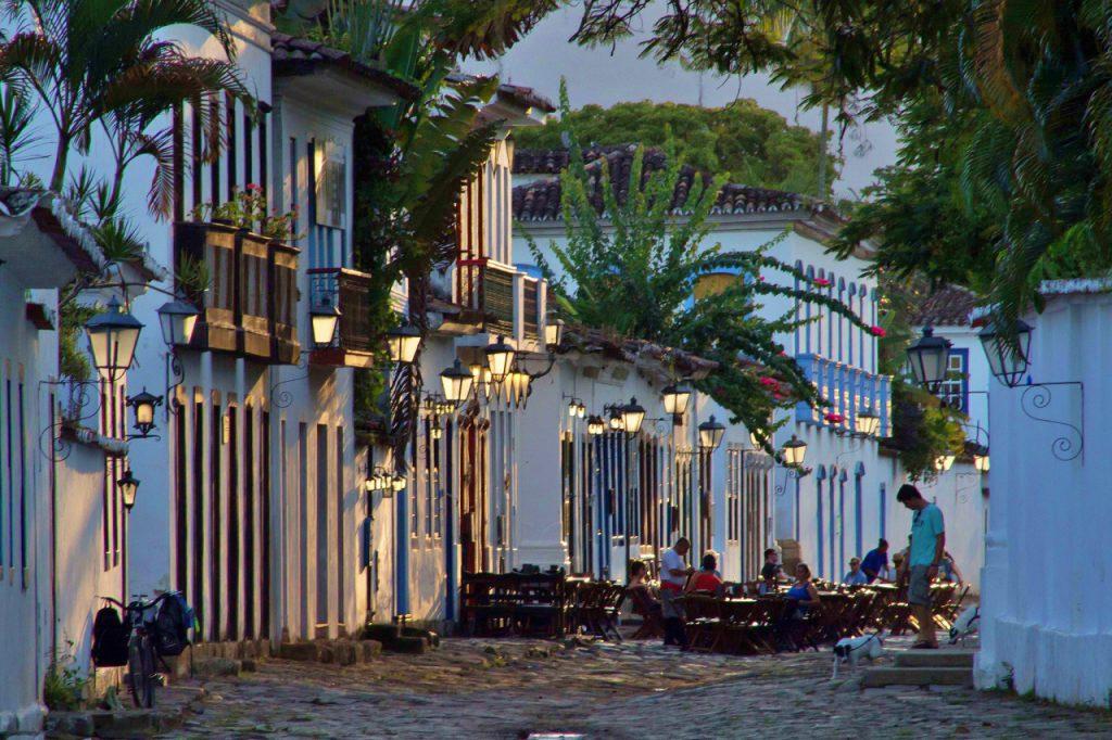 40438108594 f2377f113d k 1024x682 - 7 cidades para conhecer no Rio de Janeiro, além da capital