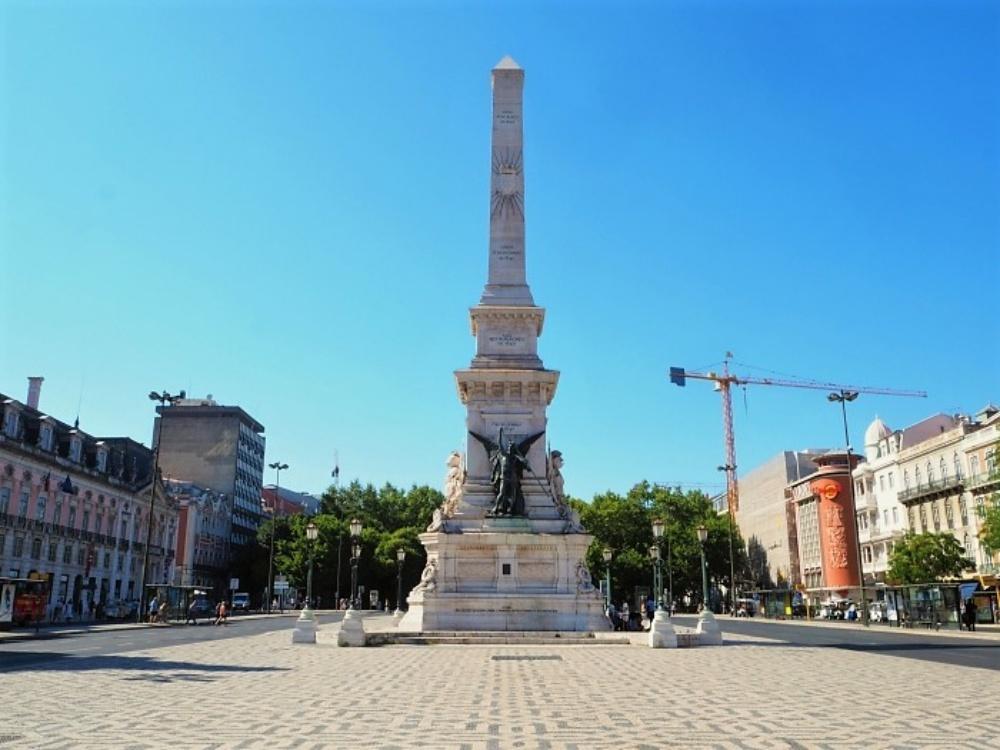 Praça dos Restauradores 14 2 1 - Lisboa em dois dias: roteiro com os principais pontos turísticos para você visitar