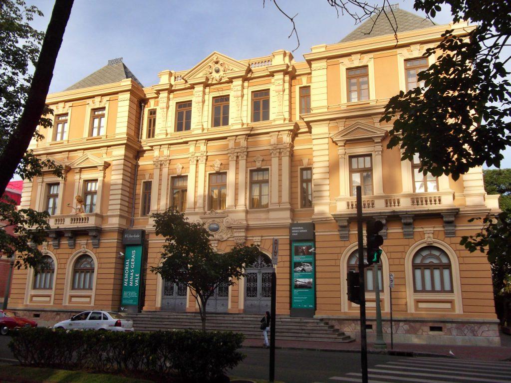 Sede da Secretaria de Fazenda Praça da Liberdade Belo Horizonte 1024x768 - 8 passeios gratuitos para se fazer em Belo Horizonte