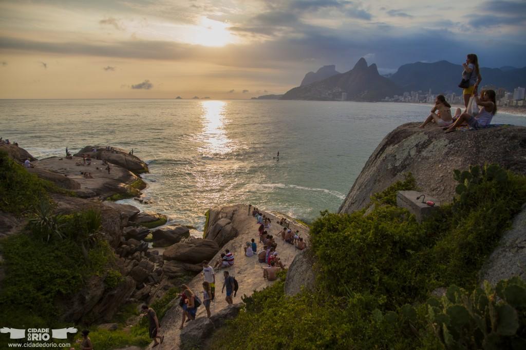 pôr–do–sol–arpoador  - 7 passeios gratuitos para se fazer no Rio de Janeiro