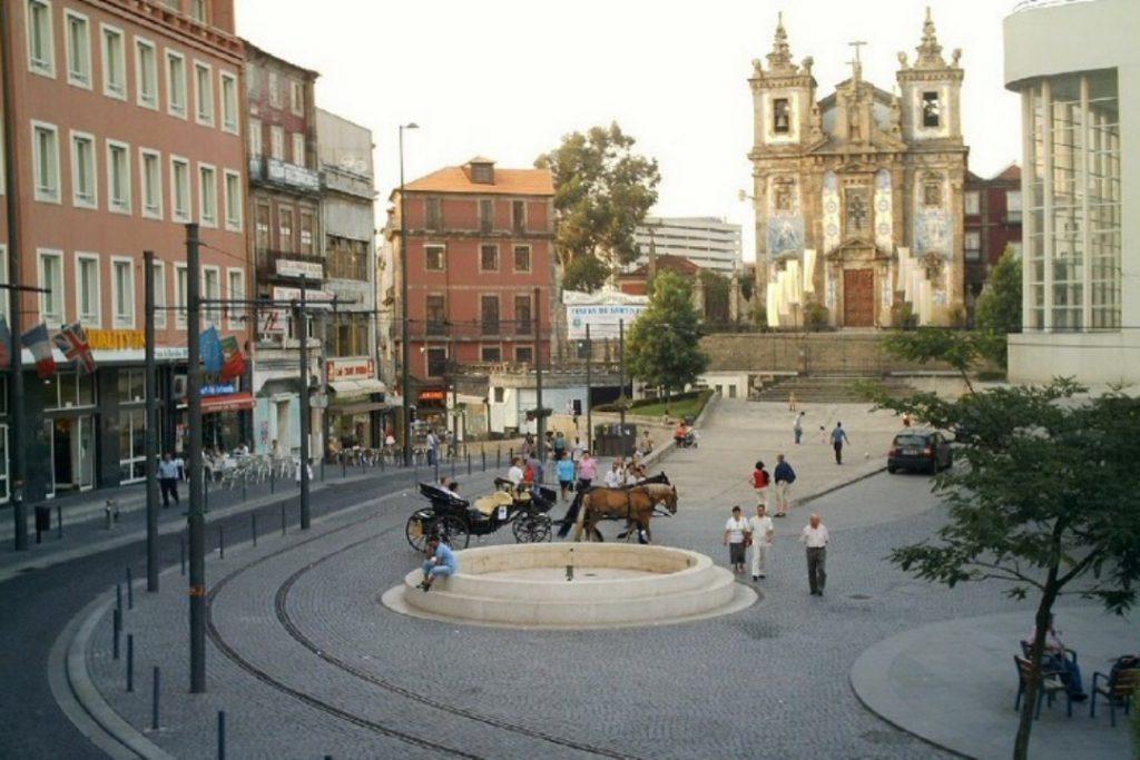 pracadabatalha04 750x500 2 1024x683 - Porto em dois dias: roteiro prático com os principais pontos turísticos