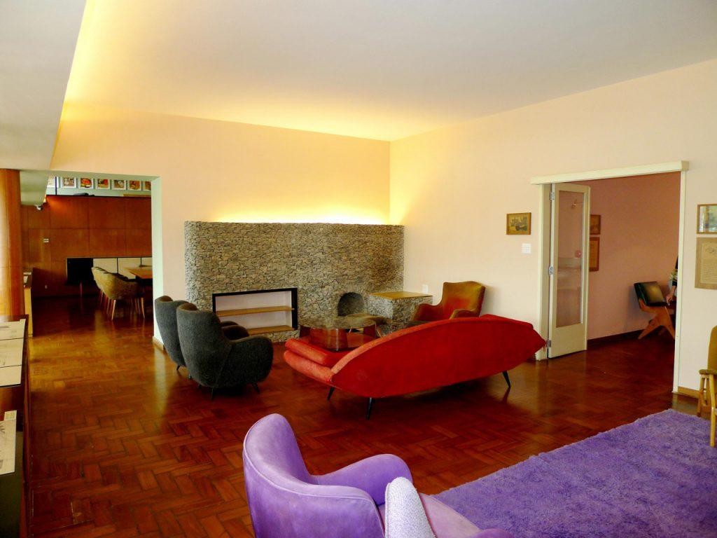 sala de estar13C9A90E 1AFF 0F62 062C 694DEB76DC97 1024x768 - 8 passeios gratuitos para se fazer em Belo Horizonte