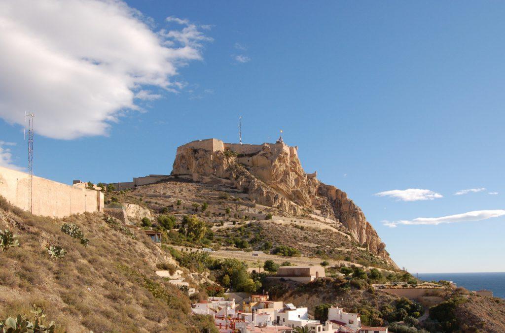 Alicante   Castillo de Santa Bárbara 22.11.2010 16 1024x676 - Roteiro em Alicante: descubra os principais pontos turísticos da cidade