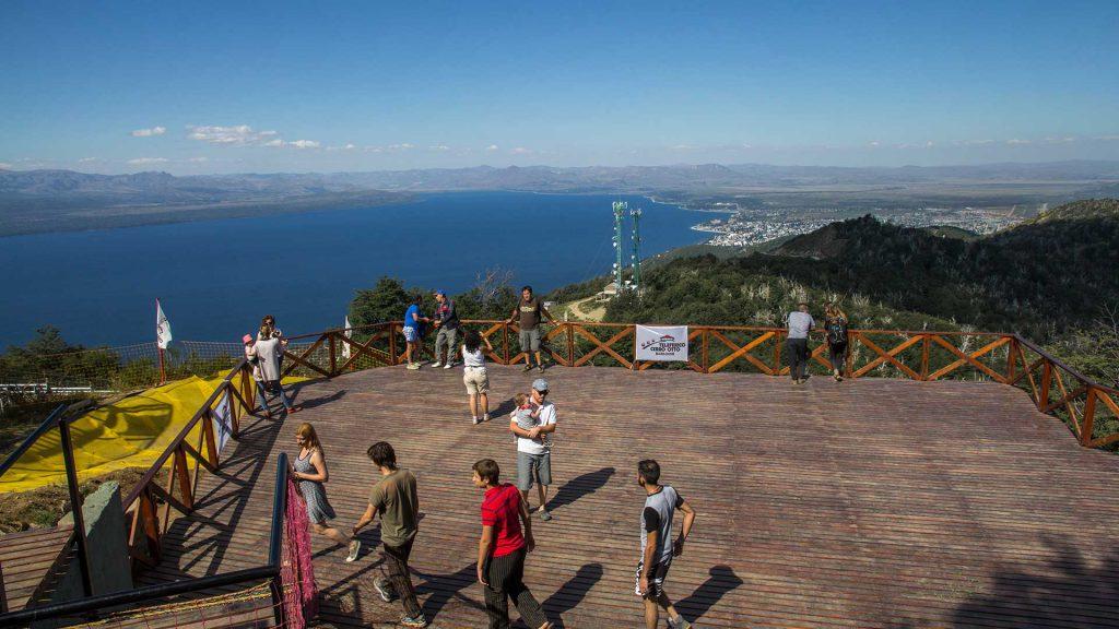primavera verão cerro otto 1024x576 - Um giro por Bariloche: um destino óbvio para curtir depois da pandemia